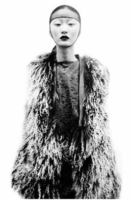 Pattern 100 Fashion Designers, 10 Curators - Phaidon
