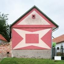 Katharina Roters: Hungarian Cubes - Subversive Ornaments in Socialism