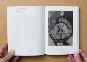 Thomas Ruff: Zeitungsfotos / Newspaper Photographs